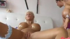 Cutie Brilliant – 2 Meaty Pussies